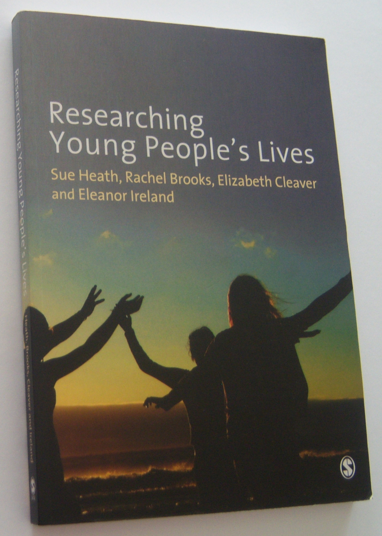 Image for RESEARCHING YOUNG PEOPLE'S LIVES